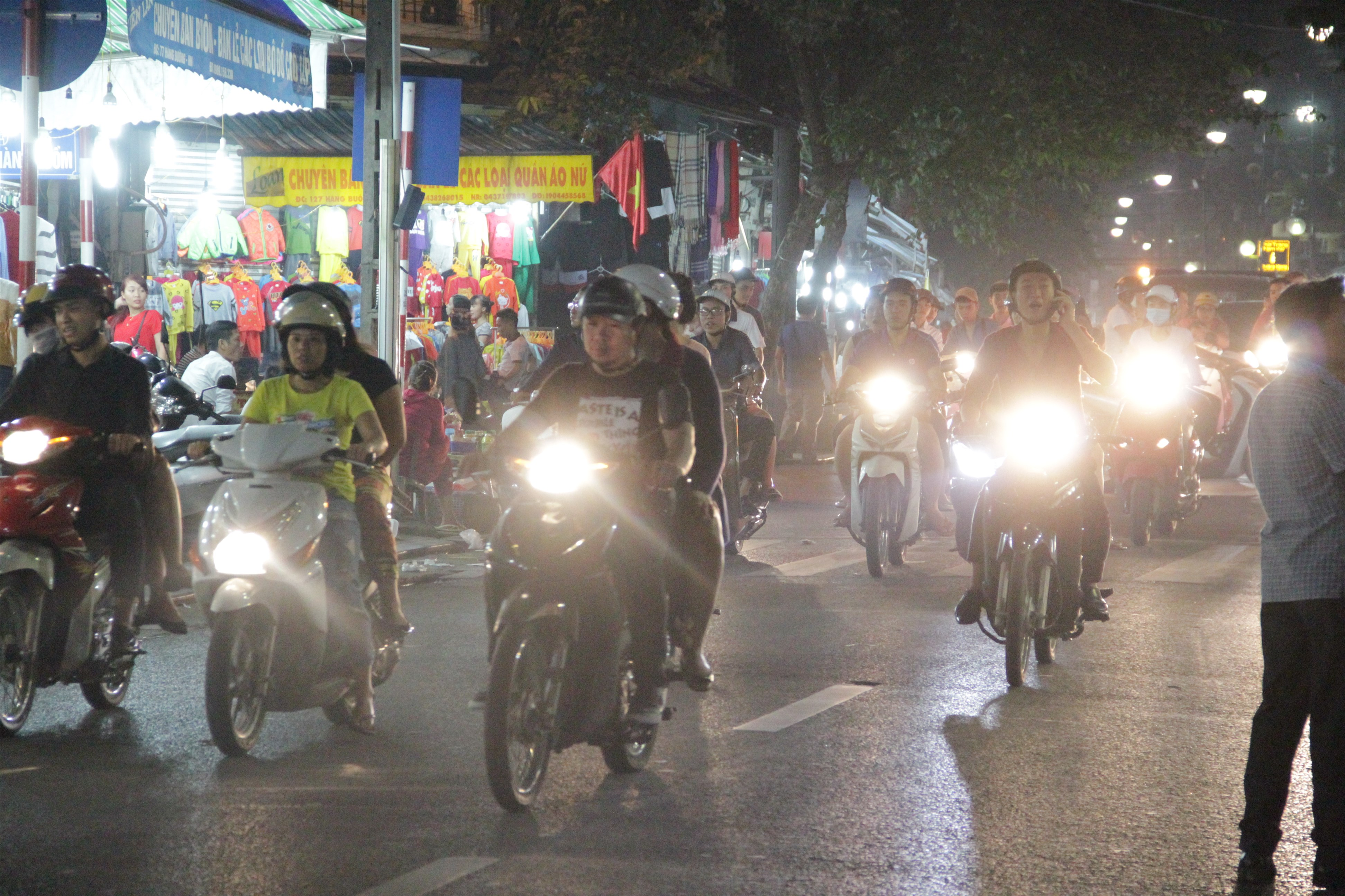 Les scooters font la loi à Ha Noi. (Copyright : Jérôme Decoster)