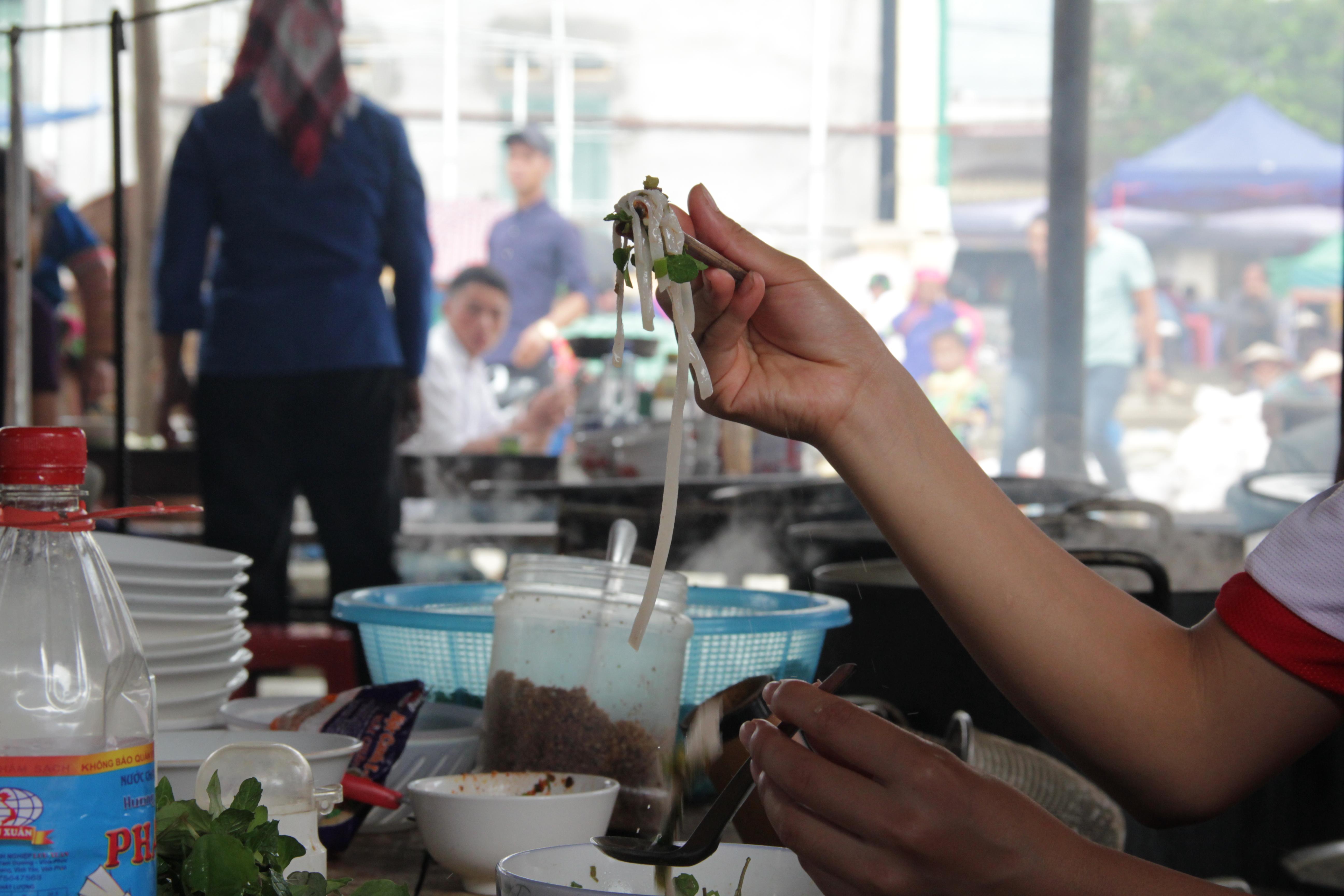 """La """"street food"""" est un immanquable à Hanoi."""