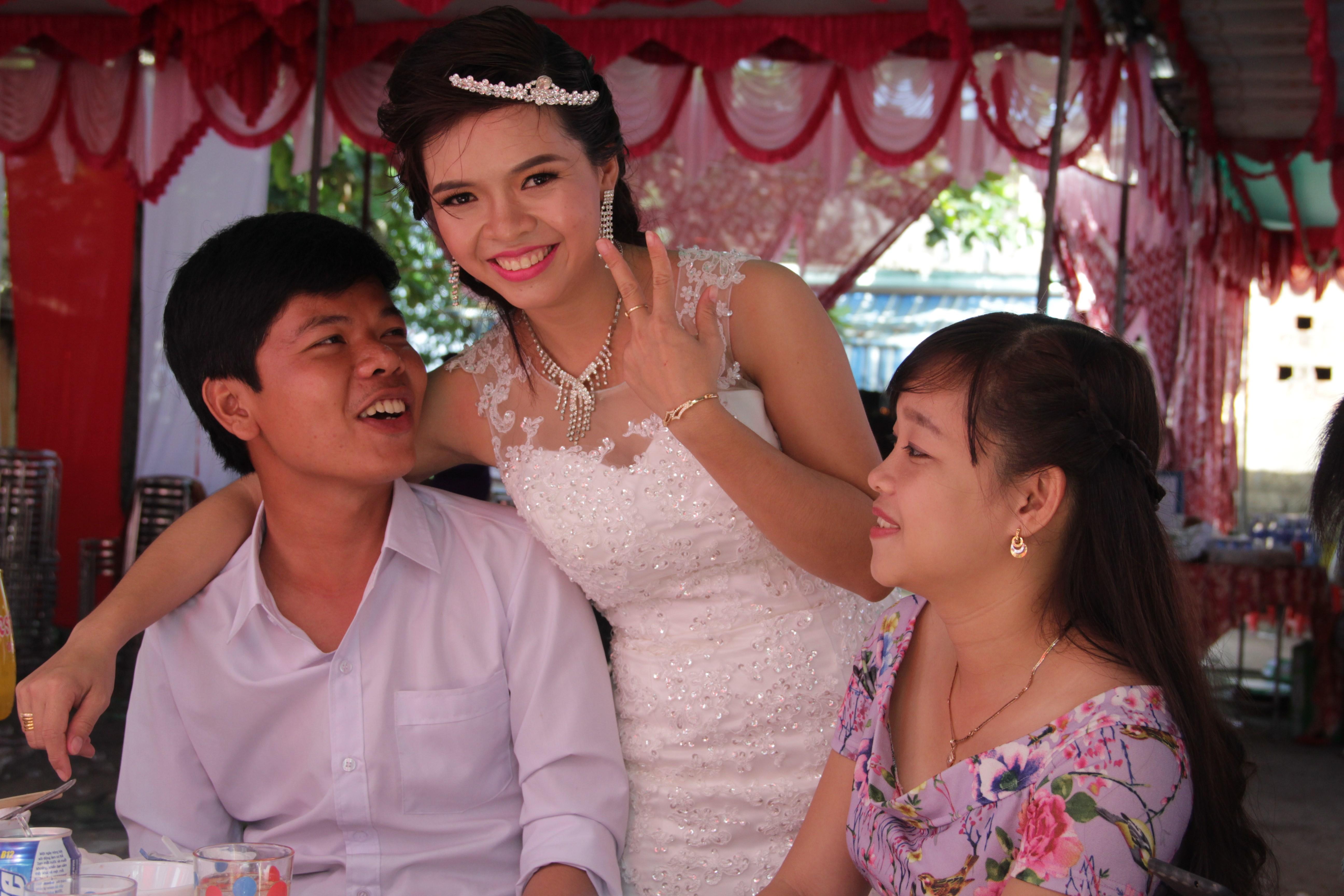 La mariée avec ses amis.