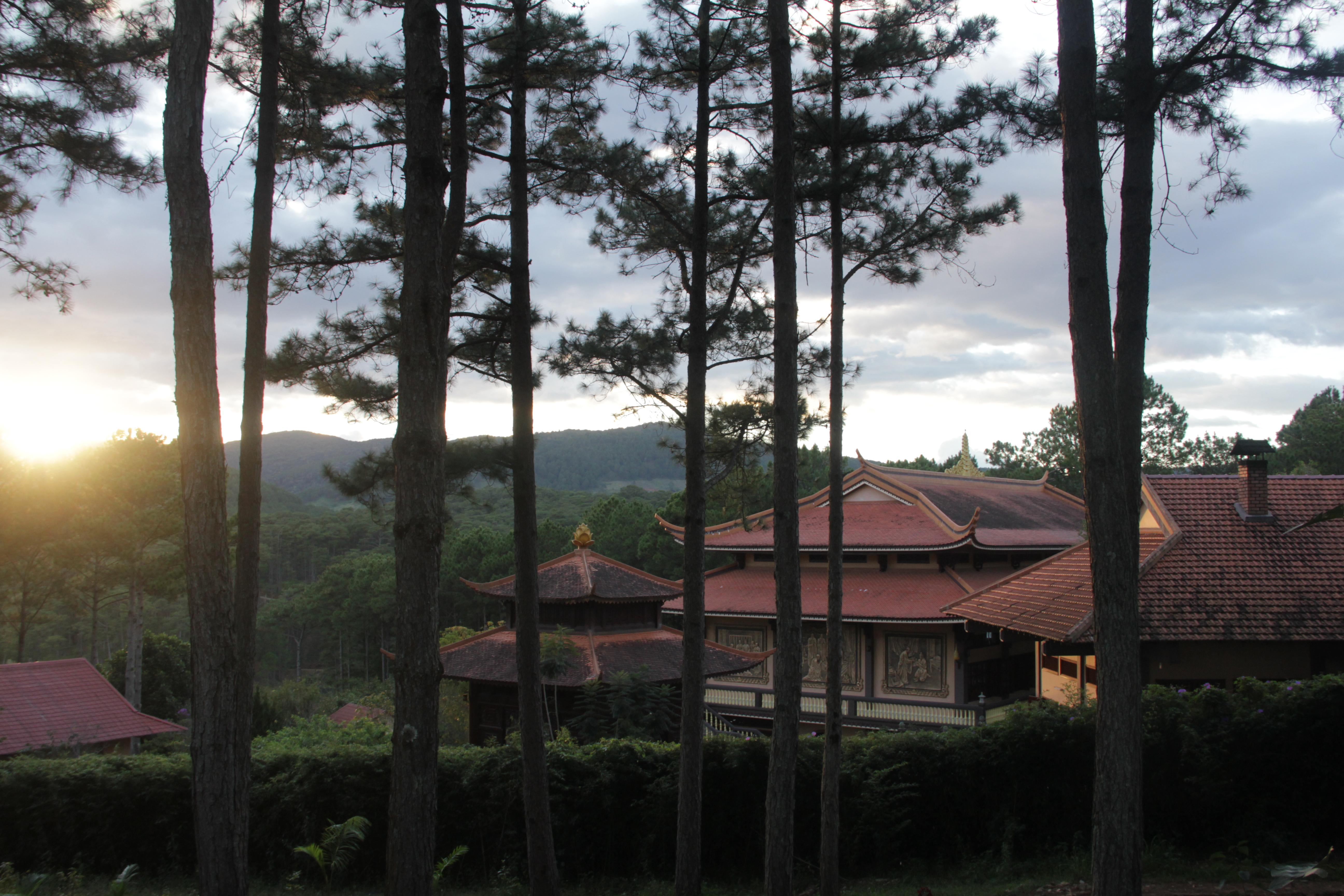 Le plus grand calme règne au pied de cette pagode (©Aurélie Bacheley).