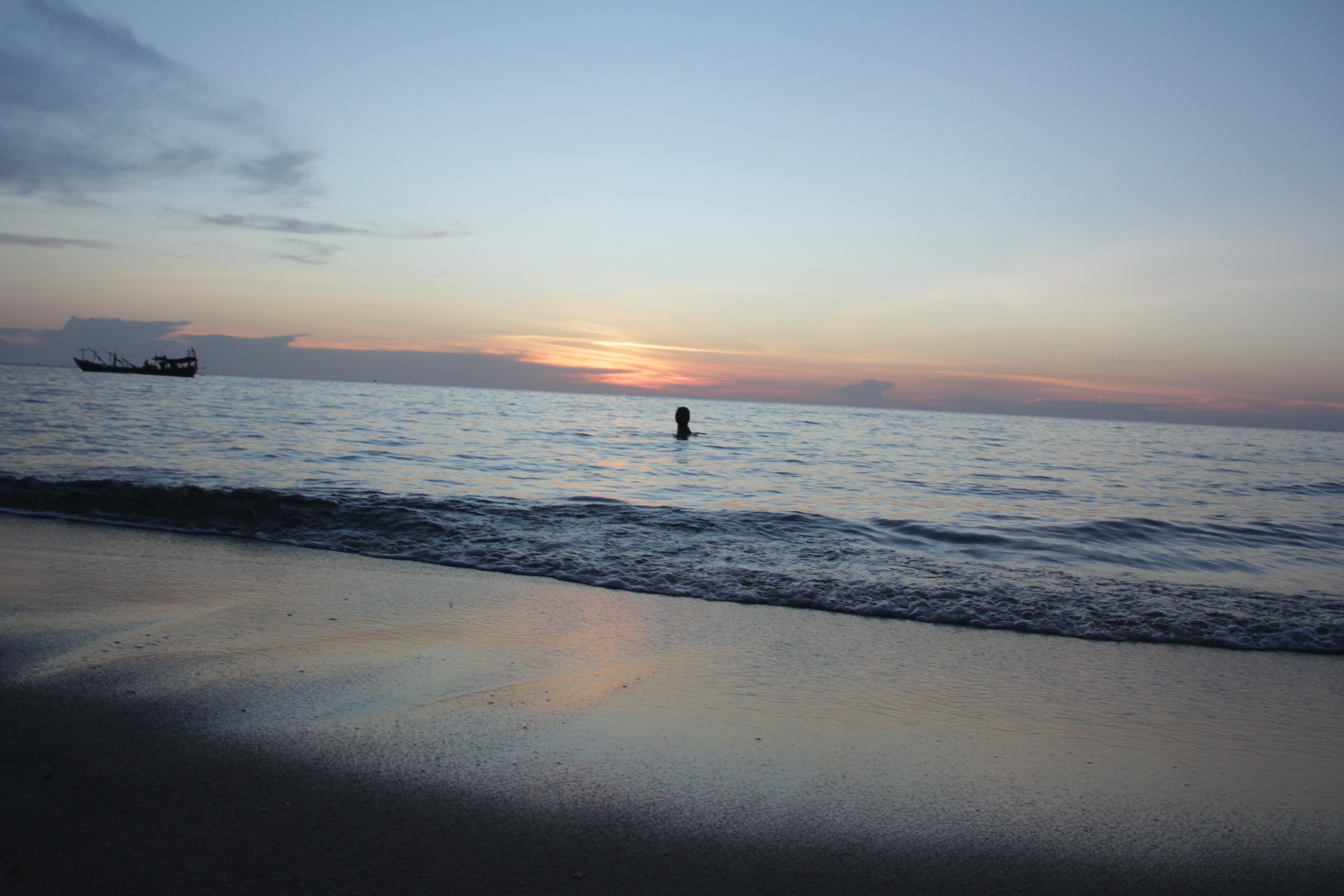"""""""Sunset beach"""", la plage sur laquelle donne notre """"Robinson bungalow"""" (© Jérôme Decoster)."""