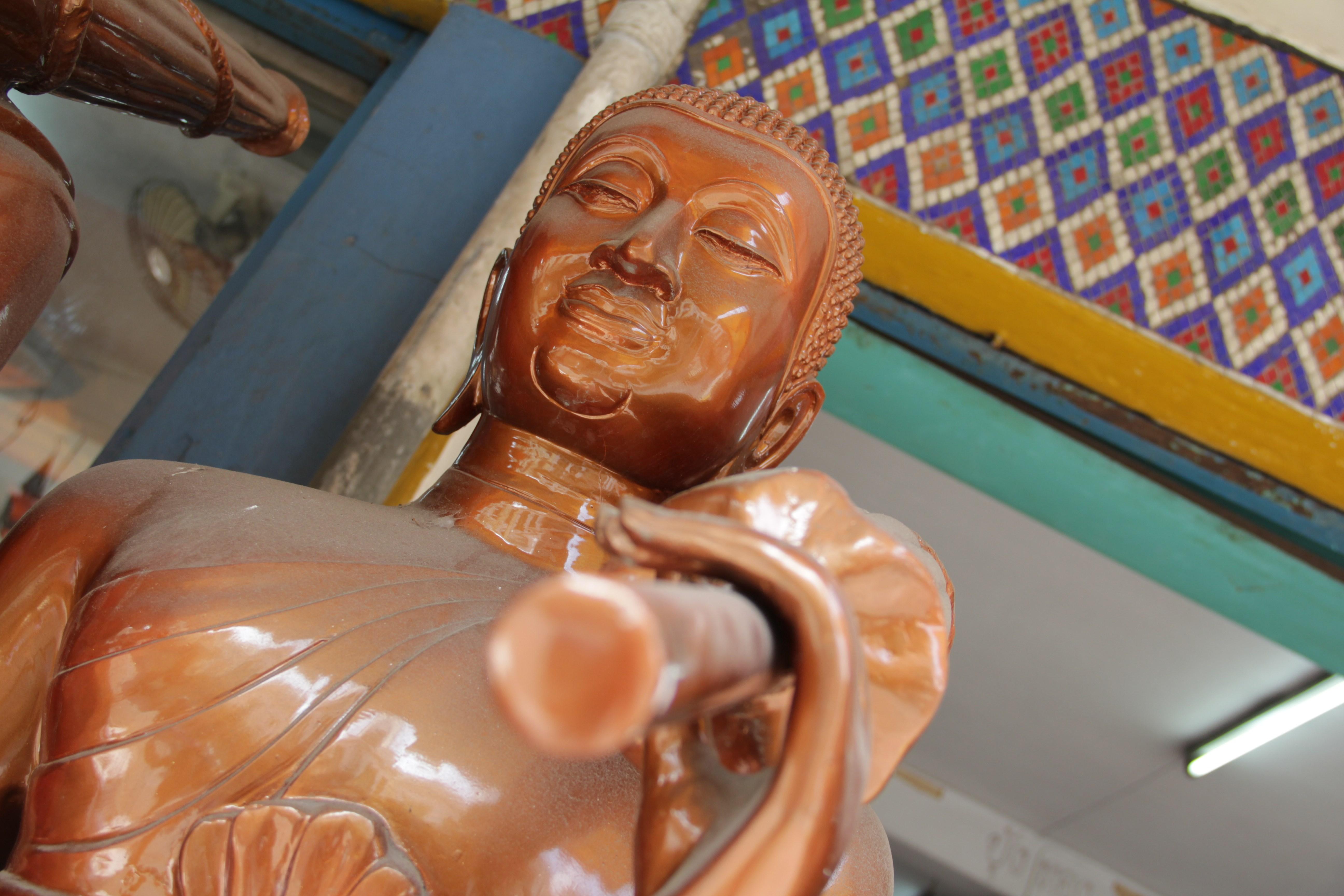 Statue religieuse dans le quartier royal  (© Jérôme Decoster).