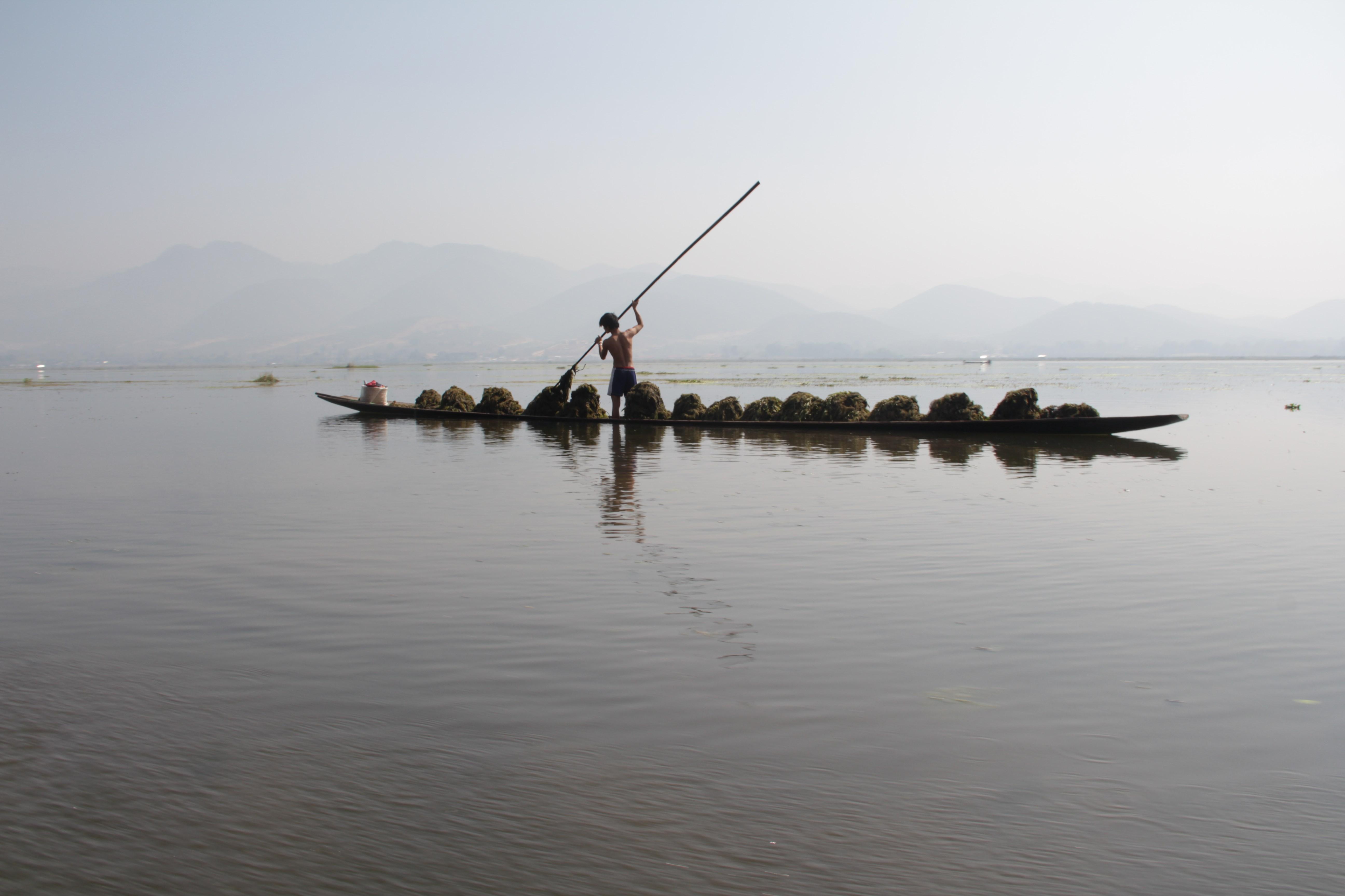 L'immensité du lac Inle se dévoile après trois jours de marche depuis Kalaw  (© Jérôme Decoster).