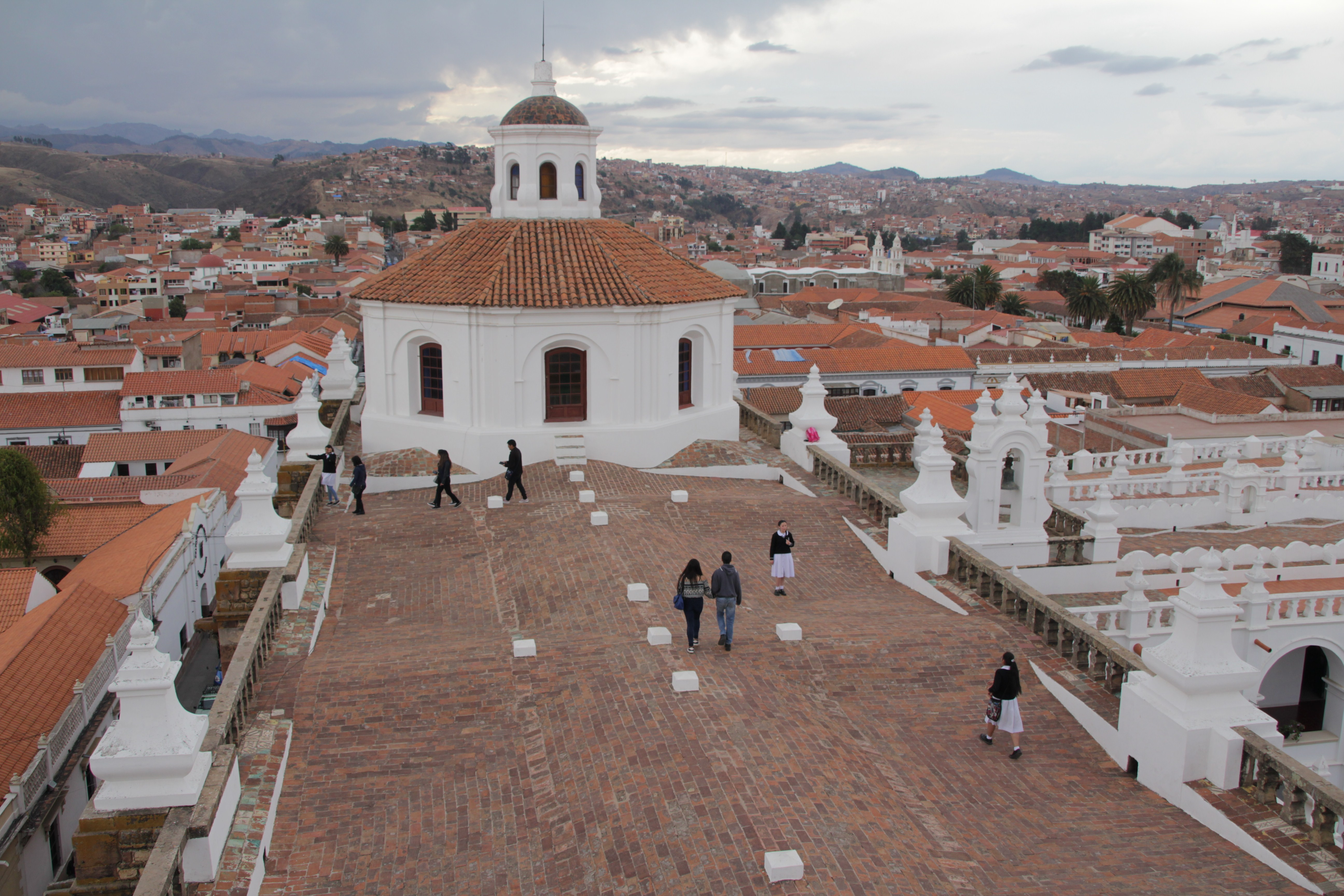 Sur le toit du couvent San Felipe de Néri, Sucre (© Jérôme Decoster).