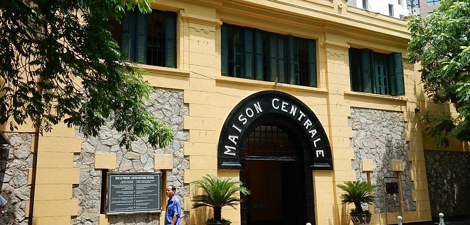 La prison de Hoa Lo à Hanoi, aujourd'hui transformée en musée (CC by Michael Coghlan).