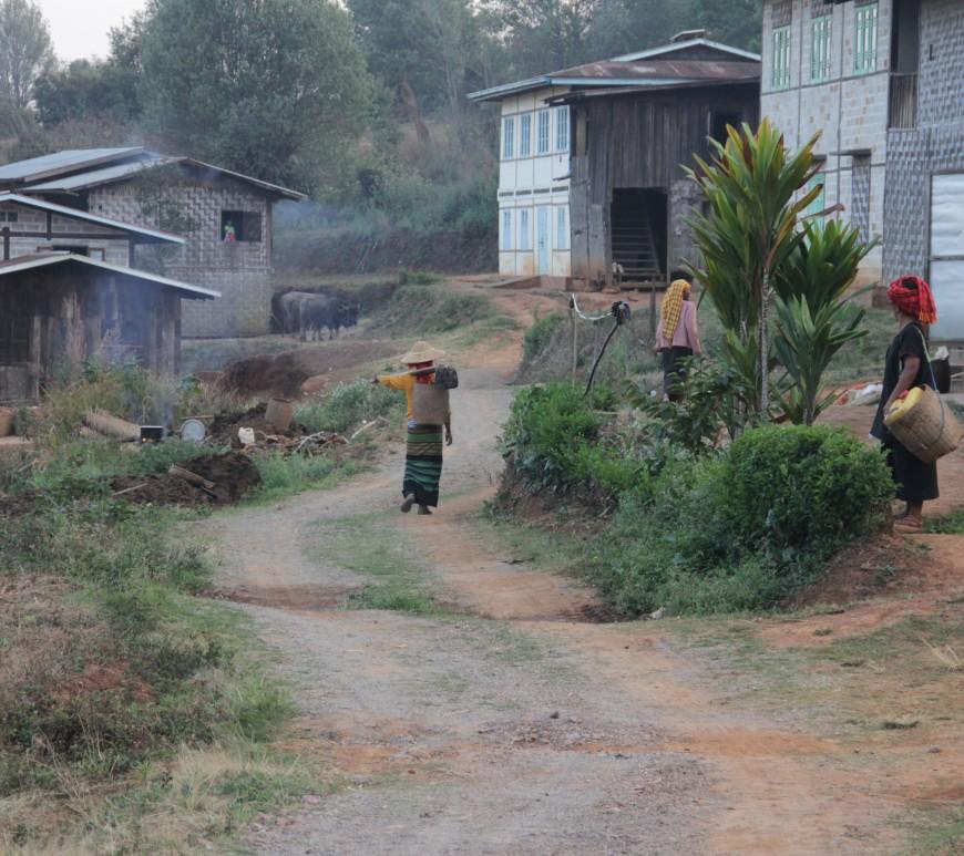 Kyautsu, paisible village dans les montagnes à cinq heures de marche de Kalaw (© Jérôme Decoster).