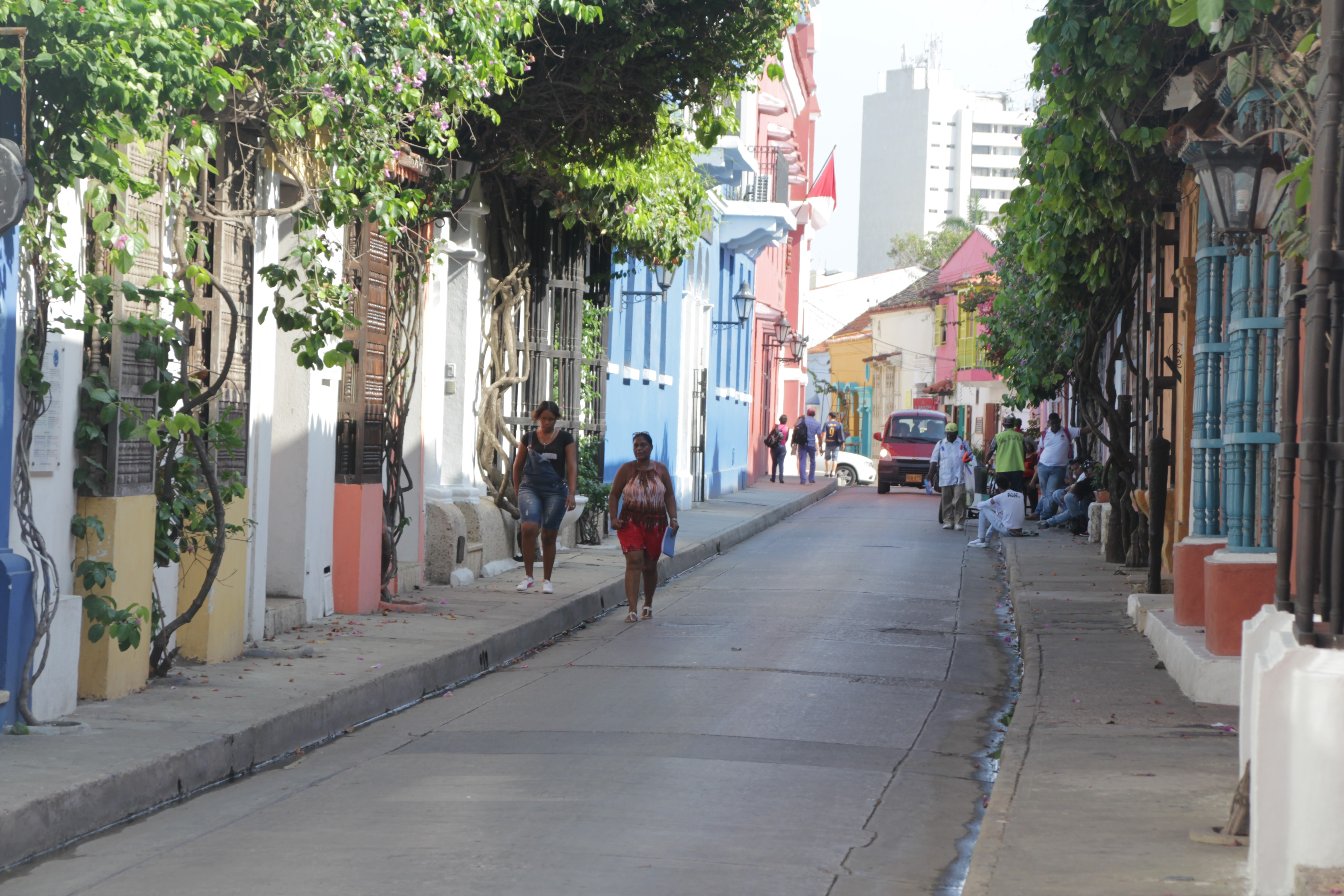 L'héritage colonial espagnol se retrouve sur toutes les façades du centre-ville (© Jérôme Decoster).