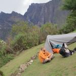 Camping dans une ferme après 1 300 m de dénivelé positif (© Aurélie Bacheley).
