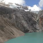 L'Alpamayo surplombant la lagune Jancarurish (© Jérôme Decoster).